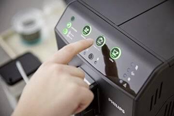 kaffeevollautomat mit milchschlauch