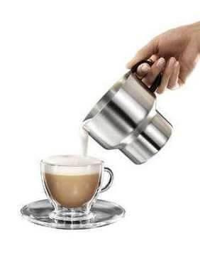 Kaffeevollautomat mit Milchaufschäumer