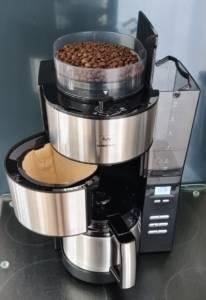 Beste Kaffeemaschine mit Mahlwerk und Kanne