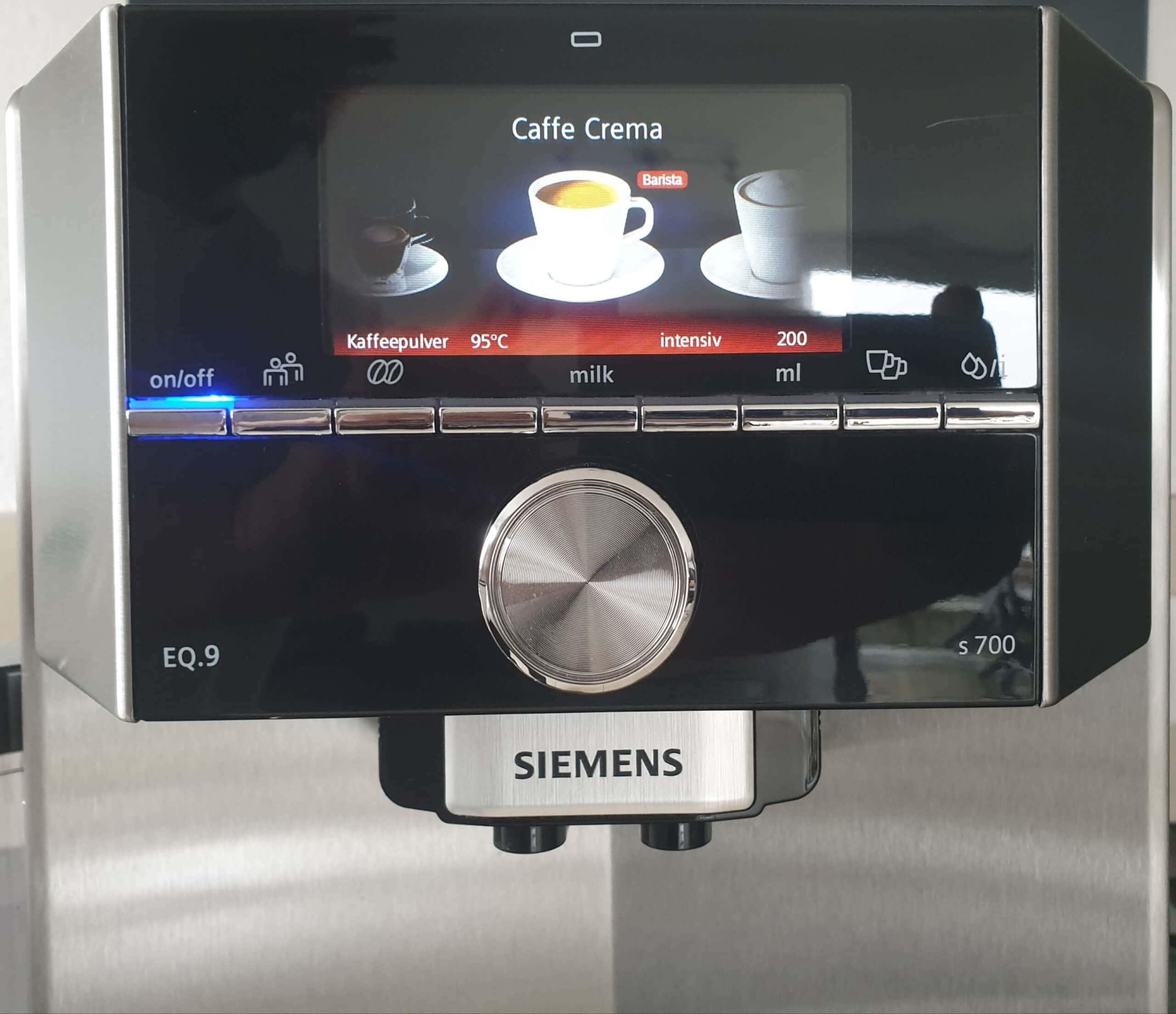 Siemens EQ.9 s700 großes TFT-Farbdisplay